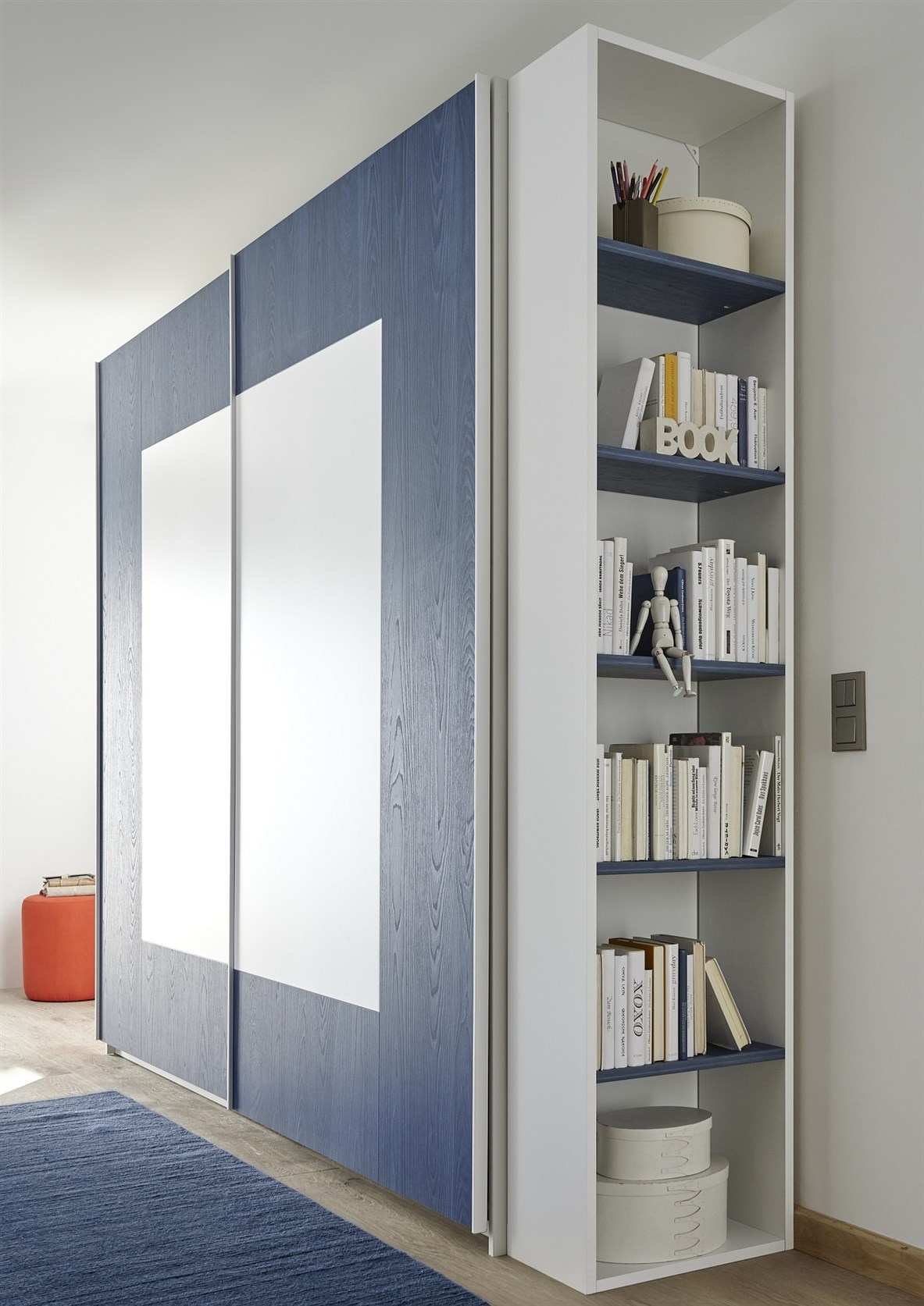 Enjoy Milieu 4 Blau Detail Regal LQ (1)